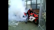 HONDA CBR 1000RR Dragbike Burnout