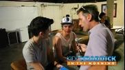 One Direction - Зейн и Найл дават специално интервю зад сцената за Kidd Kraddick in the Morning