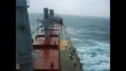 Кораб По Време На Буря
