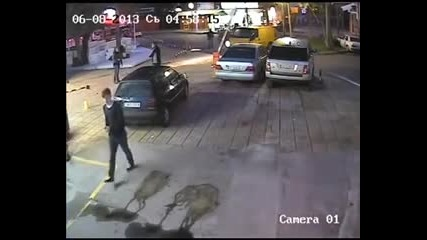 Мутри с бус блъскат коли наред на паркинг в Слънчев Бряг! А кажете ми това нормално ли е?!