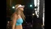 Black Eyed Peas - Rockin It (Live)