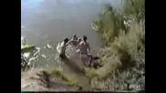 Момиче се прави на каскадьор с Колело и Се Удря Много лошо В Лицето