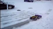 Детски снегорин в действие
