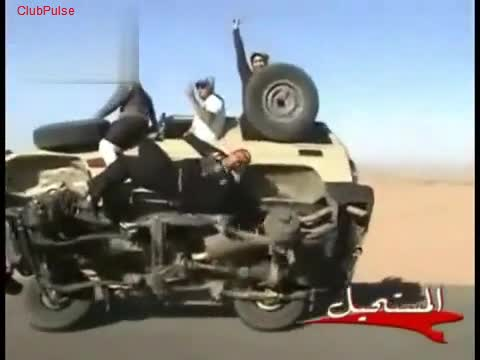 Смях!!! Луди араби! Размяна на гуми в движение