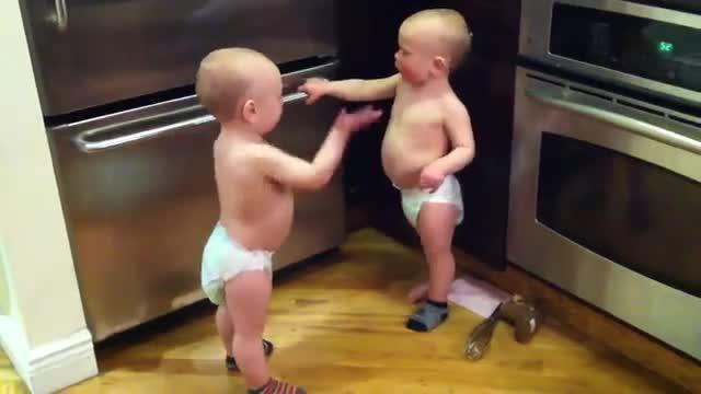 Семеен спор между бебета