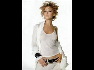 Christina Aguilera Slow Down Baby текст и превод на песента