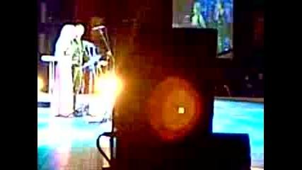 Миро изпълнява Губя Контрол Когато в оперен вариант с участието на оперна певица