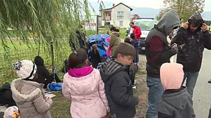 Bosnia and Herzegovina: Refugees, migrants camp near Bosnian-Croatian border