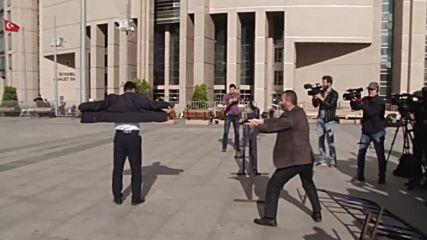 Turkey: Cumhuriyet editor Can Dundar shot at outside Istanbul courthouse