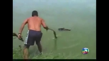 Ужас!! Дете Хвърлено в река е спасено!