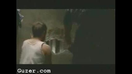 Реклама - Затворник Бяга Зад Кенефа