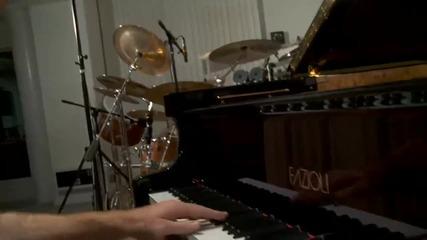 Най - необикновеното изпълнение на Love Story by Jon Schmidt