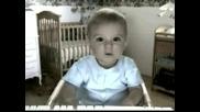 Бебешок Говори пред камерата