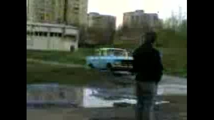 Удар С Москвич В Стена