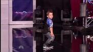 Това лапе изуми журито с таланта си!! America_s Got Talent 2011