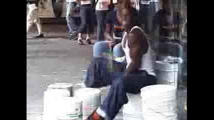 Street Drummer - Byrzite Ruce