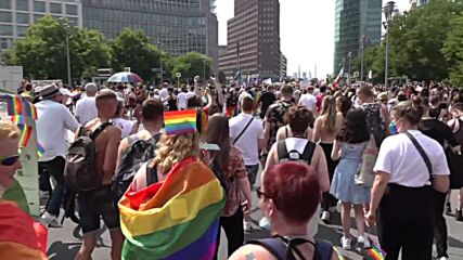 Germany: 35,000 LGBT+ supporters join Berlin Christopher Street Day parade