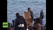 Italy: Hundreds of migrants stranded at French-Italian border
