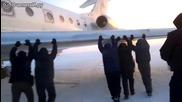 Ето как в Русия бутат самолет при -50`градуса по целзий