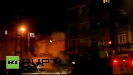 Turkey: Clashes erupt following vast 'anti-terror' operation in Istanbul