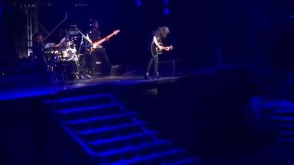Exlusive! Бийбър повръща на сцената по време на концерт