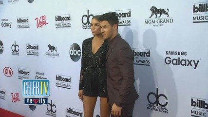 Nick Jonas Splits from Olivia Culpo
