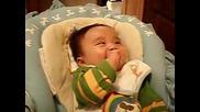 Невероятно Щур Бебешки Смях