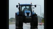Ето Как Се Кара Трактор На 2 Гуми