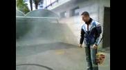 Пич прави пергели на място с мотор