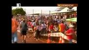 Трибуна рухна на автомобилно състезание