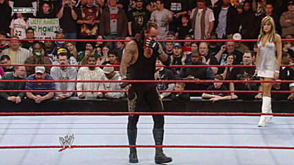 The Undertaker vs. Mark Henry – Casket Match: Raw, March 10, 2008 (Full Match)