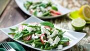 Бон Апети | Салата от зелен боб с репички, фета и лимонов дресинг
