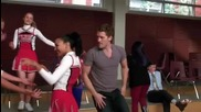 Glee - Bust a move (1x08)