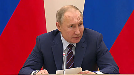 Russia: Putin talks constitutional changes at governmental meeting