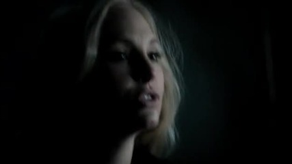 The Vampire Diaries 03x11 - Our Town - Taylor bite Caroline