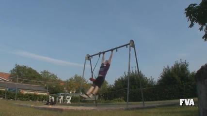 Swing Stunt Fail Високо Качество