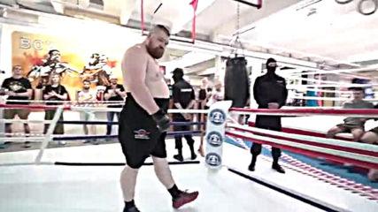 Вячеслав Дацик срещу двама