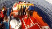 Italy: Coast guard picks up 1,230 migrants