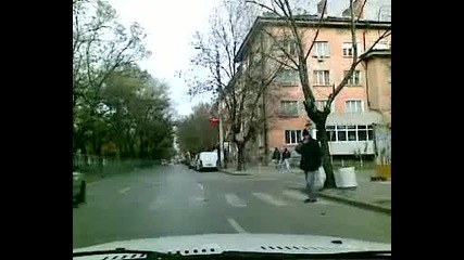 Прости полицаи съставят незаконосъобразни актове, а и Наказателни постановления по тях :)