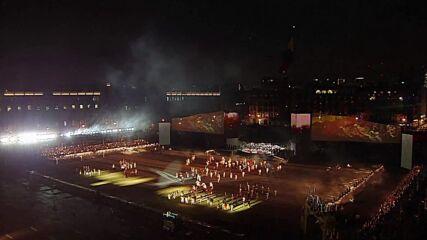 ЦВЕТНО И ГРАНДИОЗНО: Мексико отпразнува 200 години независимост с историческо шоу