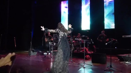 Dragana Mirkovic - Mamina I Tatina - Live (concert) in Sofia, Bulgaria - 08.06.2013 - Prevod