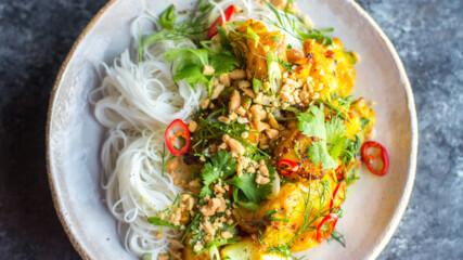 Риба по виетнамски с копър и куркума | Донал Скиан | 24Kitchen Bulgaria
