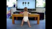 Бебе танцува на Beyonce - Single Lady!