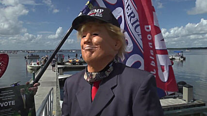 USA: Trump supporters stage boat parade in Florida