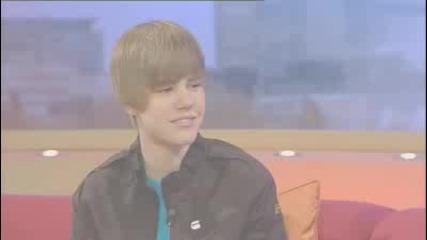 Justin Bieber backstage at Gmtv [www.keepvid.com]