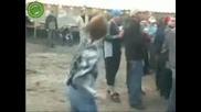 """Олигофрен танцува на песента """" На ти ми говори """""""