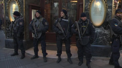 Austria: Heavily armed police secure Vienna ahead of NYE celebrations