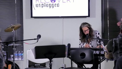 """Steven Tyler Рerforms """" Dream On """" at Recovery Unplugged Drug Rehab Center"""