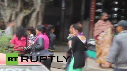 Отново силен трус в Непал, жертвите вече са над 2200
