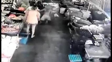 Ето какво става като бараш дупе на жена
